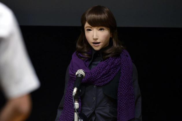 """日本科学家最新研制一款仿生机器人——""""艾丽卡(Erica)"""",其外形设计颇似一位23岁妙龄女性。"""