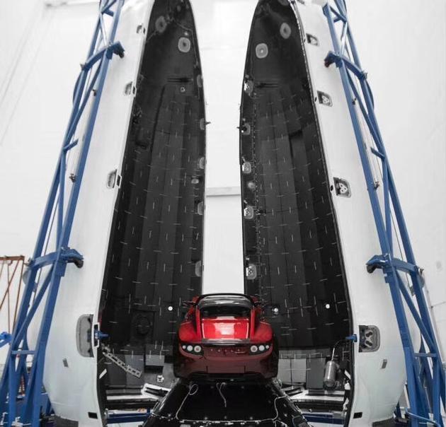 史无前例!马斯克真要把跑车送上太空 下月发射上天林峰红馆演唱会