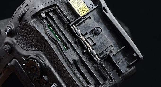 双卡槽有什么用?聊聊双卡不双待的相机