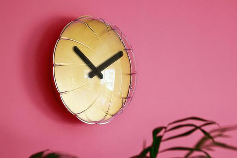 """挂个""""气球""""到墙上 其实它还是一个时钟"""