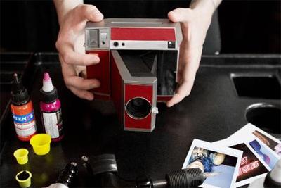 Lomo折叠式拍立得相机Instant Square正式开售