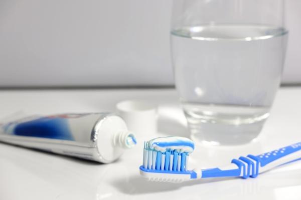 高露洁发布旗下首款智能牙刷 并且只卖给果粉