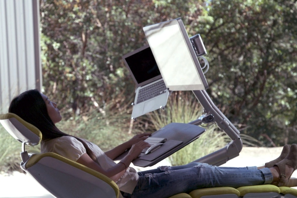 自从拥有了这个办公神器 我都想天天加班了