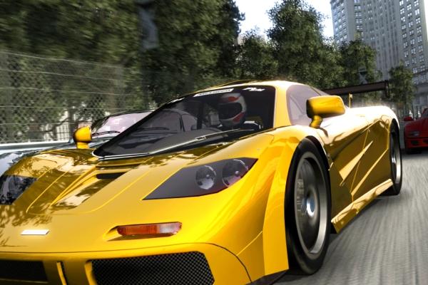 玩真的!日本玩家把私家车爆改成游戏机