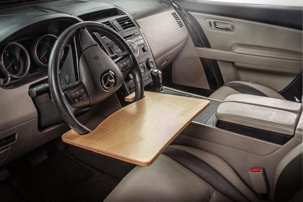 只要一块木板 你就能优雅的在车里吃东西了
