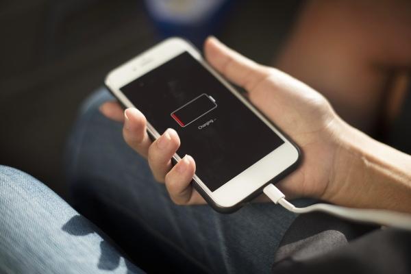 苹果设备太多充电伤脑筋? 这款神器为你解忧