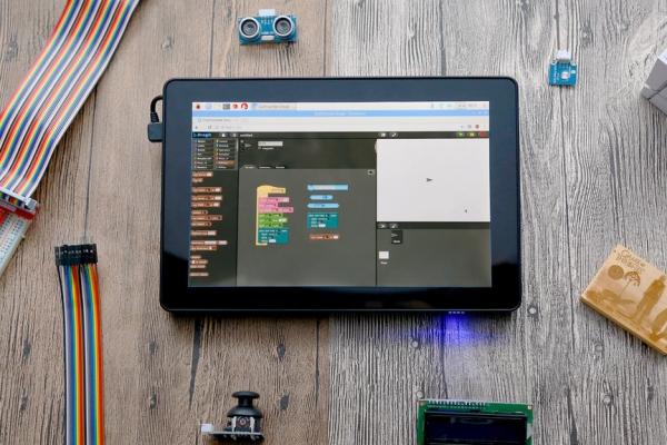 简单易用的树莓派平板 带你快速入门编程