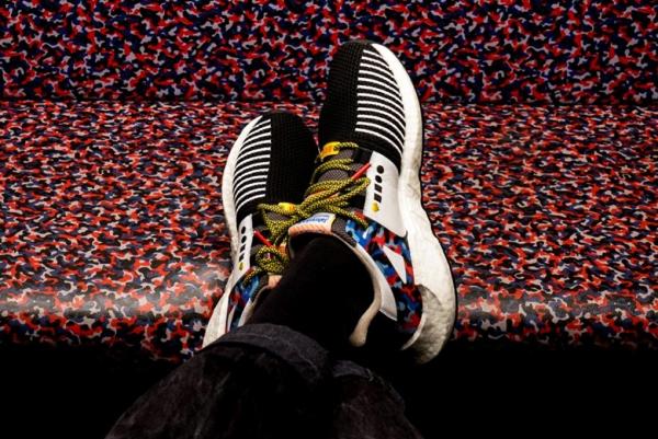 限量版运动鞋 穿上就可以免费搭一年地铁公交