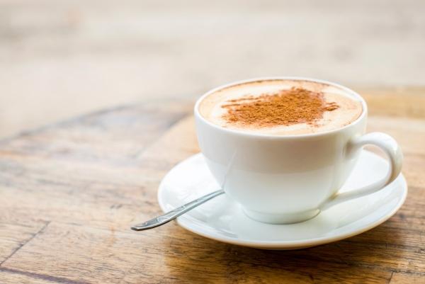 做纯正拿铁咖啡麻烦么? 这款神器能一键搞定