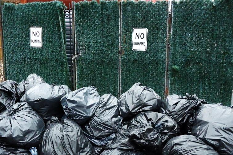 解决白色污染的终极办法:用塑料袋打印家具