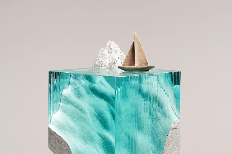 艺术家用混凝土和玻璃制作出精美的水体雕塑