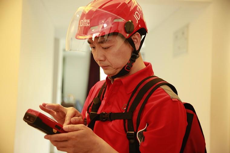 刘强东自述:电商离不开B2C物流模式