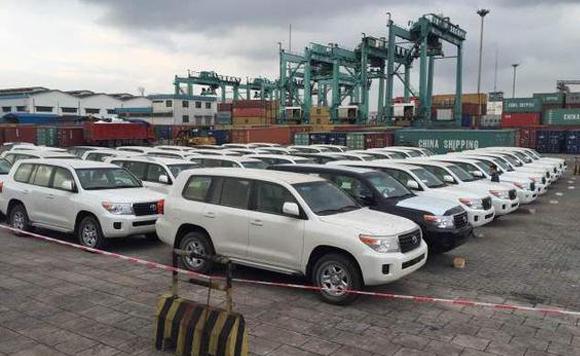 2015款丰田酷路泽4500柴油现车多台
