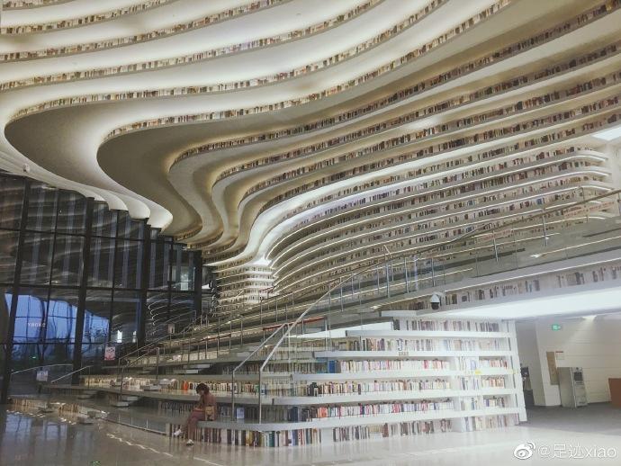 滨海图书馆名不虚传