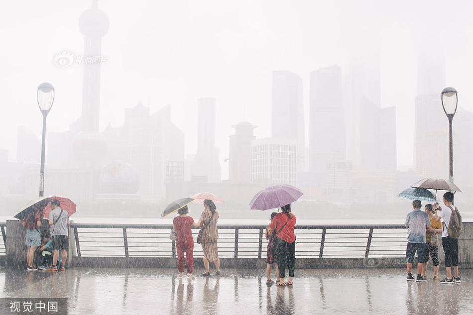 超强台风 利奇马 逼近 直击各地 风雨交加