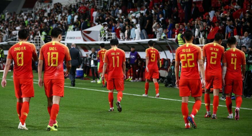 亚洲杯-后防三次送大礼 国足0-3负伊朗无缘四强