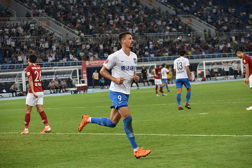 中超—瓦格纳乔纳森破门 泰达2-0建业结束四轮不胜