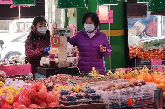 天津市民生活一如往常、未受影响。孙一凡摄
