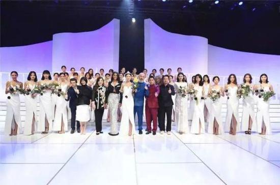 90后中国模特内衣大赛_模特备战SIUF中国深圳国际内衣超模大赛