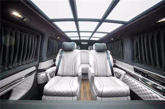 二排航空座椅带通风,按摩,加热,360度旋转,便携式小桌板
