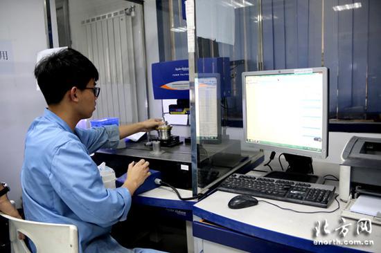 天津宇光光学有限公司制造非球面镜面