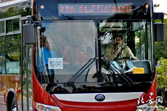 新公交车在委内瑞拉投入使用