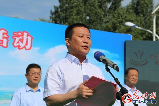 河南省委宣传部常务副部长苏长青致辞