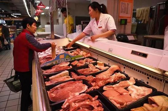 07元/公斤,环比下跌10.11%.周内北方黄瓜白条价格下降延续走势.五花肉猪肉卷图片