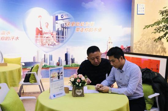 """【新春走基层】无抵押线上贷款 天津""""银税互动""""助力小微企业发展"""