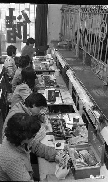 1987年2月,河西区工商银行积极扩建储蓄网点。陈国兴摄
