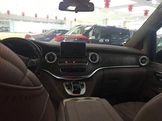 奔驰V250升级版现车优惠 高端舒适商务