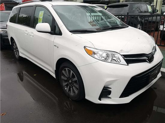 2020款丰田塞纳3.5L现车出售40余万安排