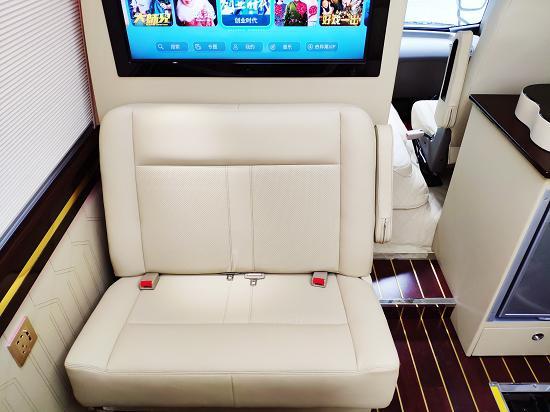 丰田考斯特全新配置 高端商务车安全舒适