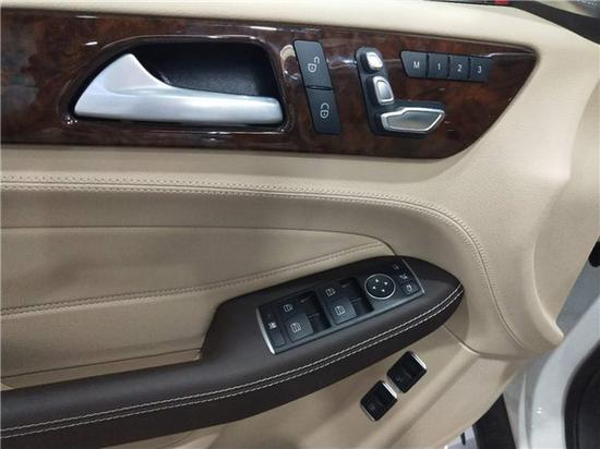 座椅记忆,座椅调节,安全锁,电动后视镜,车窗升降