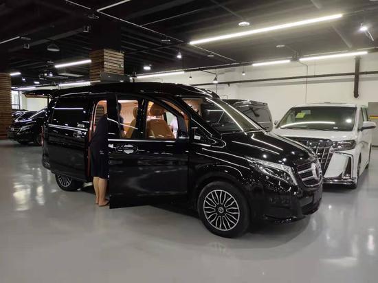 2020新款奔驰v260L商务车天津港改装现车价格