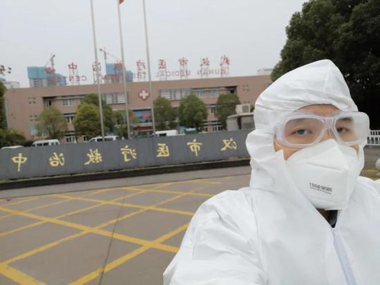 实录 | 在武汉运送病人 我也害怕