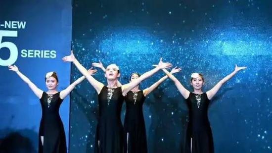 ◆ 外籍乐队及舞蹈暖场表演