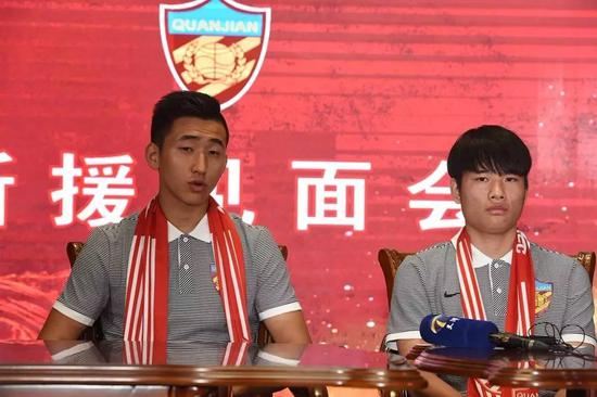 张源(左)与钱宇淼