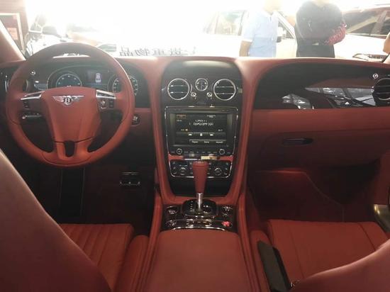 2017款宾利飞奔V8S赤色腰线全天下限量版港口报价