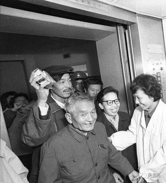 1986年11月,公安医院为按装的电梯被患者称为方便梯。杨新生 摄