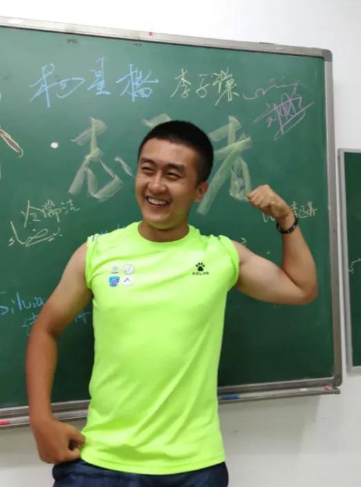 ▲刘超博做志愿者