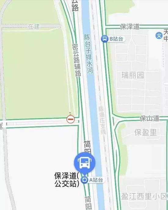 侯台花园公交车站