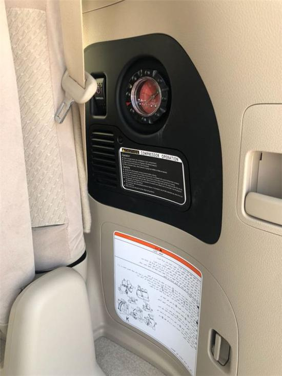 2019款丰田酷路泽4000EXR天窗气泵报价
