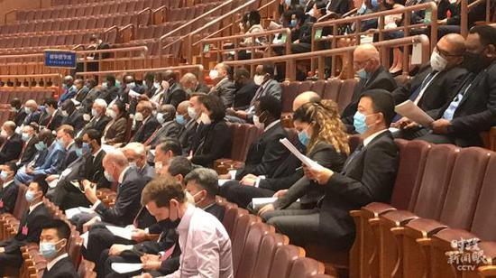 △外国驻华使节等应邀参加开幕会。(总台央视记者刘岳拍摄)