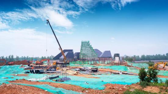 首期工程伊甸园展示中心工程施工建设中