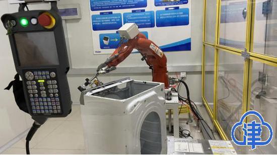 """【众智成城】探访""""中国智能标杆工厂"""" 体验智能健康家居生活"""