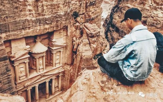 摄于约旦佩特拉古城山上