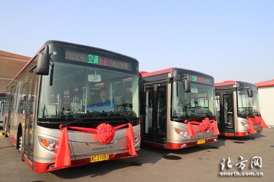 首批银隆新能源公交车投入运营
