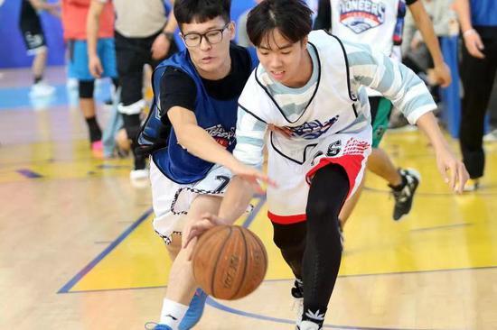CBA篮球公园带来全新体验 3v3篮球争霸赛在津上演