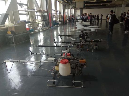 天津全华时代航天科技发展有限公司有多款无人机参与本届世界智能大会无人机主题分赛活动。